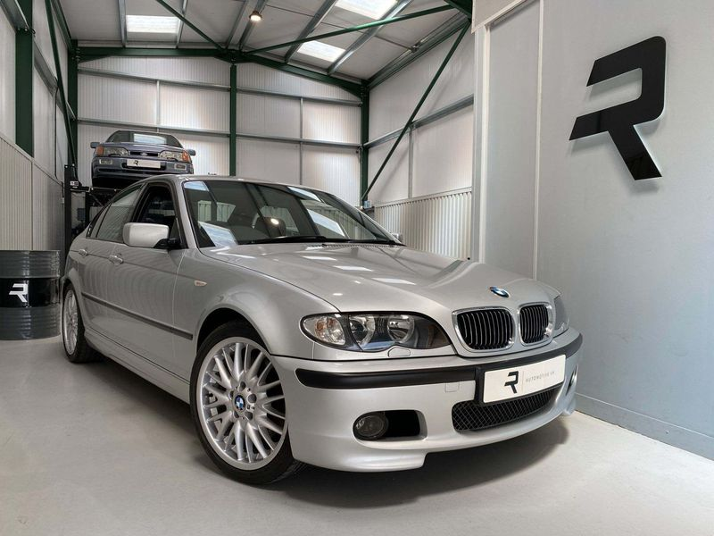 View BMW 3 SERIES 3.0 330i Sport 4dr